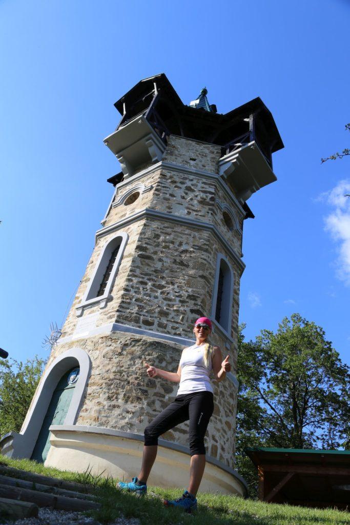Das Turmfräulein - Aussichtsturm, Aussichtswarte, Gebäude, Heiligenstein, Kamptal, Kamptalwarte, Person, Turm - HOFBAUER-HOFMANN Sofia - (Haindorf, Zöbing, Niederösterreich, Österreich)
