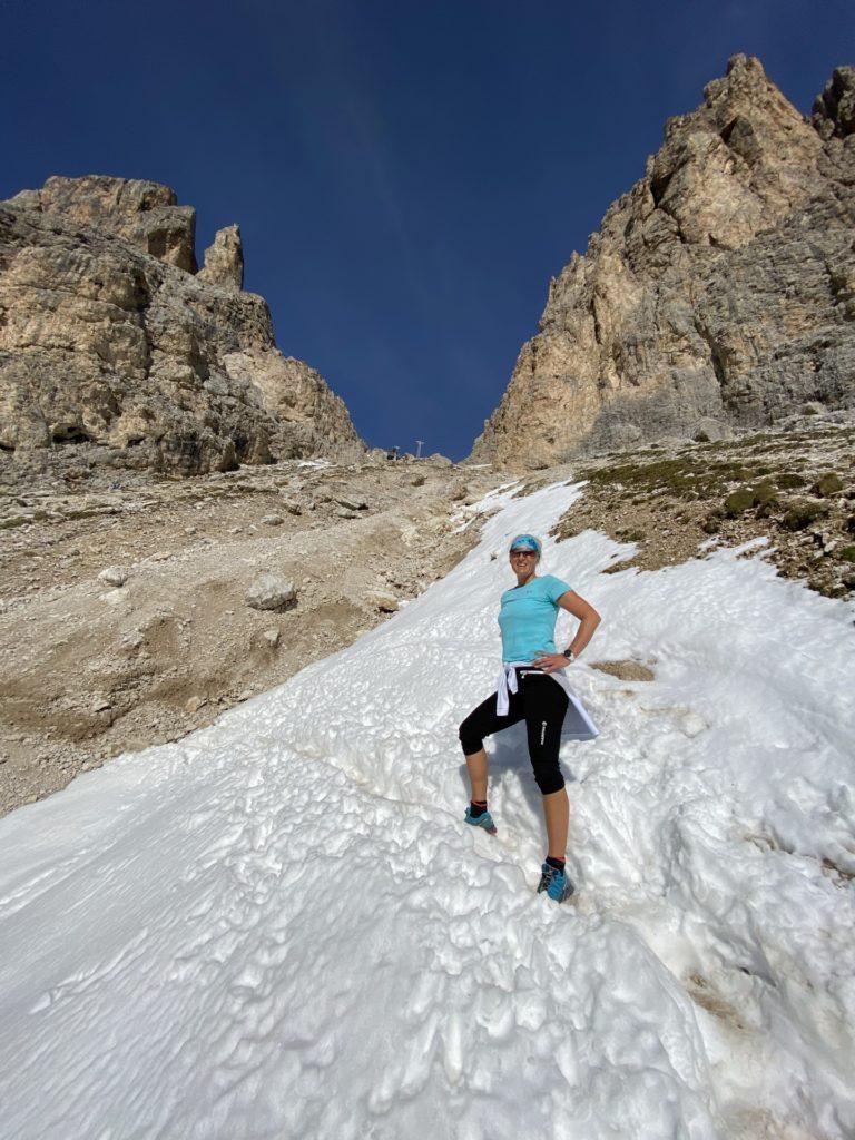 Mein Schweiß bringt den Schnee zum Schmelzen - Berge, Dolomiti, Forcella del Sassolungo, Gebirge, Grödner Dolomiten, Landschaft, Langkofel, Langkofelgruppe, Langkofelrunde, Langkofelscharte, Natur, Passo Sella, Personen, Schnee, Sellajoch, Südtirol, Tal - HOFBAUER-HOFMANN Sofia - (Fossel, Campitello Di Fassa, Trentino-Alto Adige, Italien)