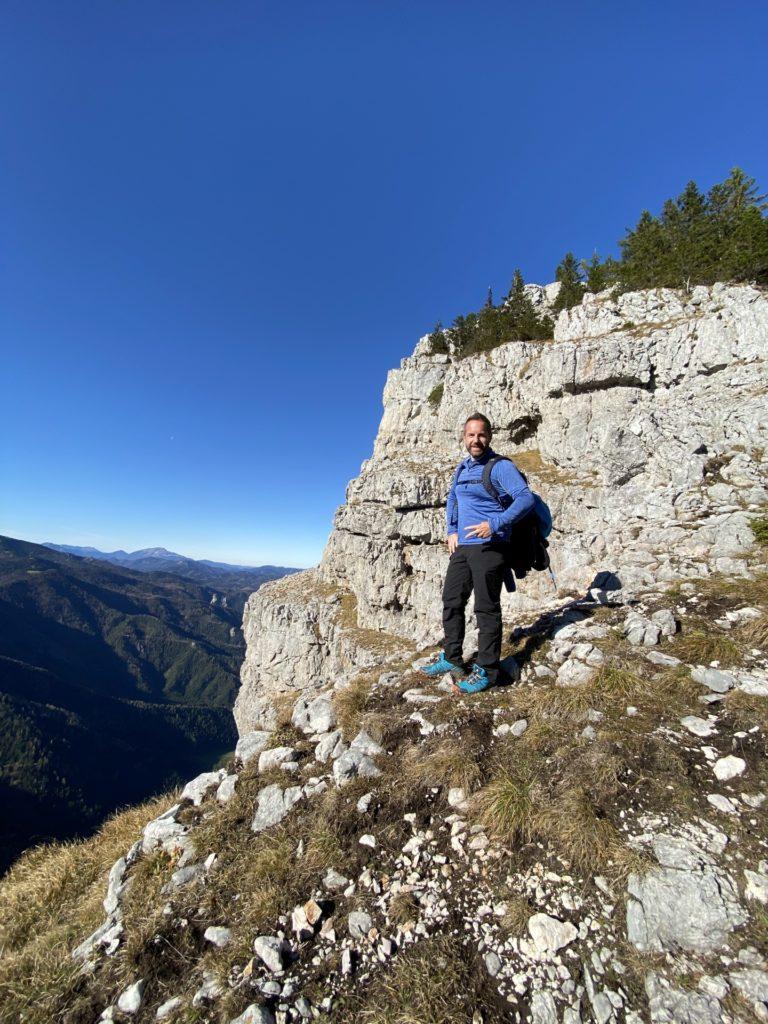 Ach könnt ich nur eine Gemse sein! - Berg, Felsen, Felswand, Gebirge, Gippel, Himmel, Mürzsteger Alpen, Personen, Pose, Positur, Steilwand - WEISSINGER Andreas - (Gschaidl, Kernhof, Niederösterreich, Österreich)