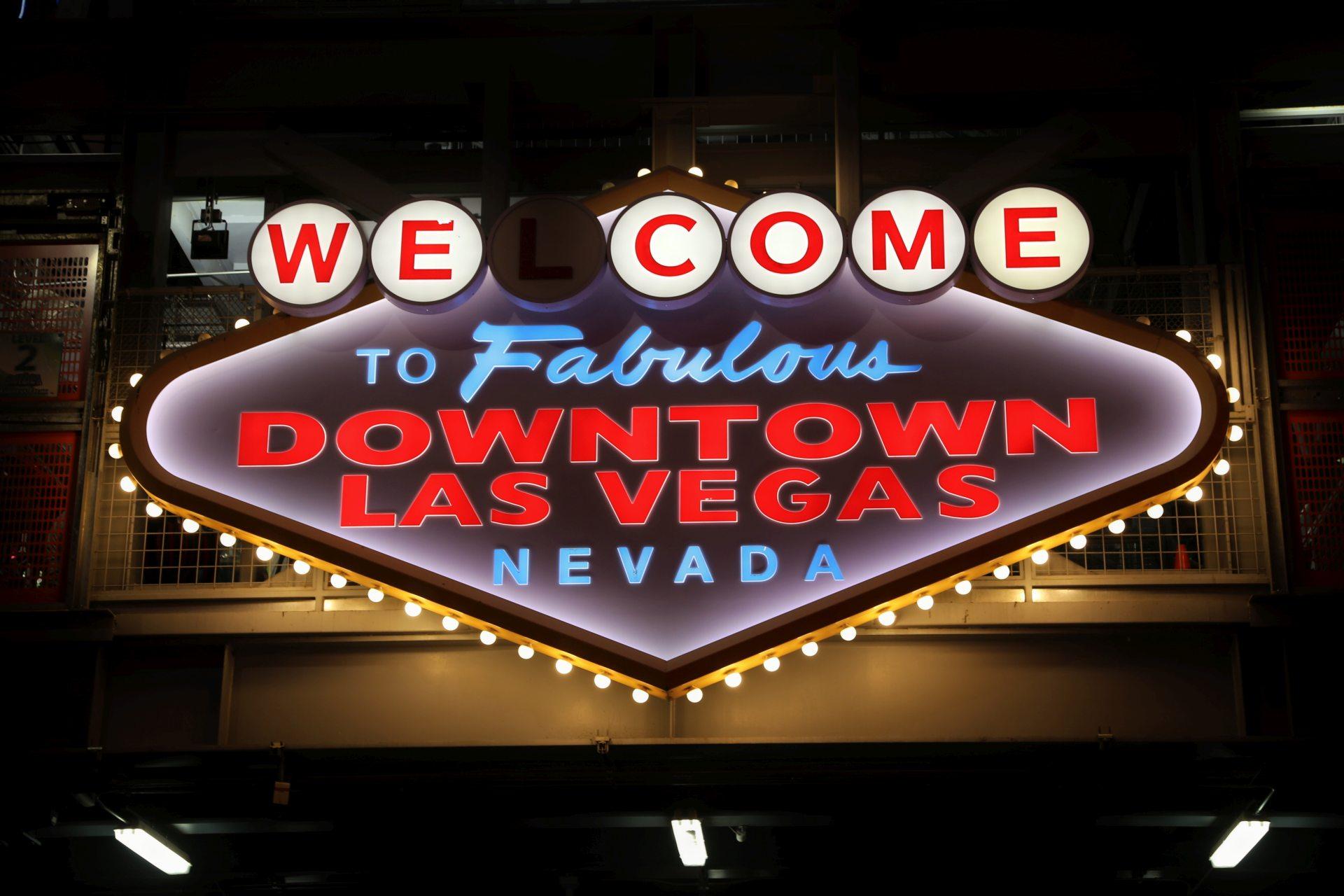Downtown Las Vegas! - Beschilderung, Las Vegas, Leuchtschilder, Lichtreklame, Nevada, Werbeschilder - (Las Vegas DownTown, Las Vegas, Nevada, Vereinigte Staaten)