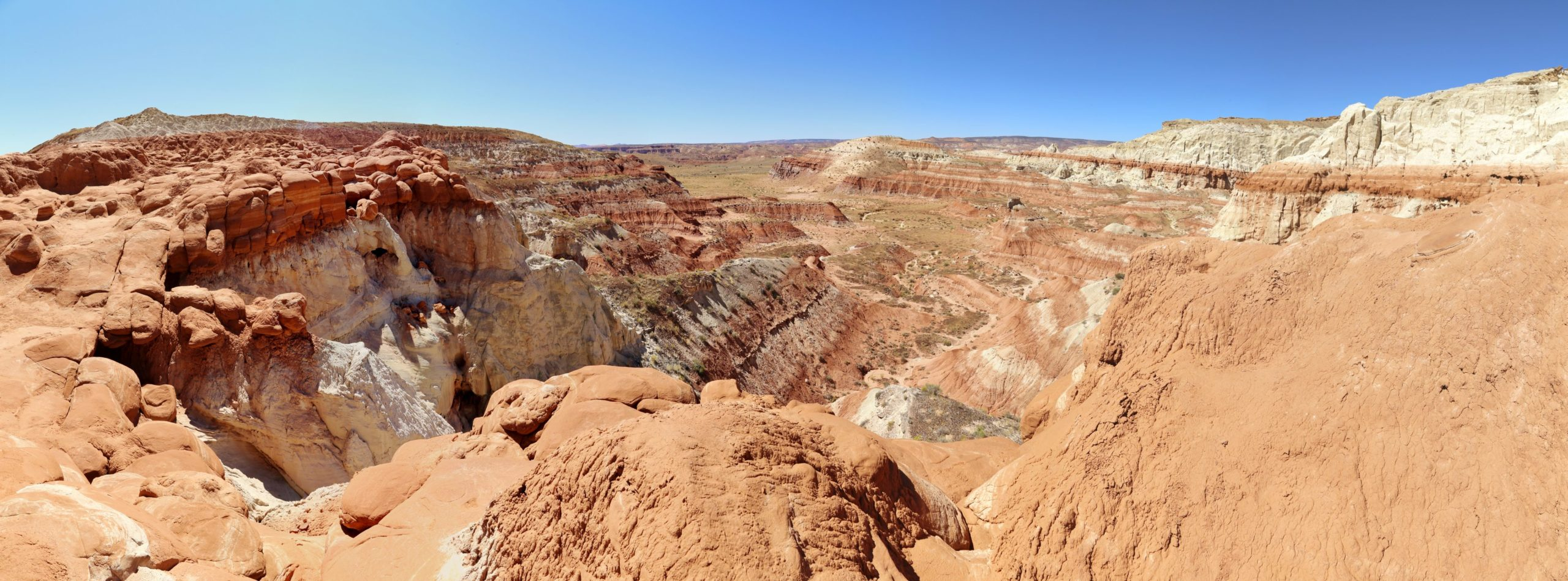 Imposante Landschaften egal wo wir auch sind - Aussicht, Farben, farbenfroh, Felsformationen, Felslandschaft, Fernsicht, Geologie, Gesteinsschichten, Grand Staircase Escalante National Monument, GSENM, Himmel, Landschaft, Natur, Panorama, Paria Rimrocks, Sandstein, Sandsteinformationen, Toadstool Hoodoos, Utah - (, , )