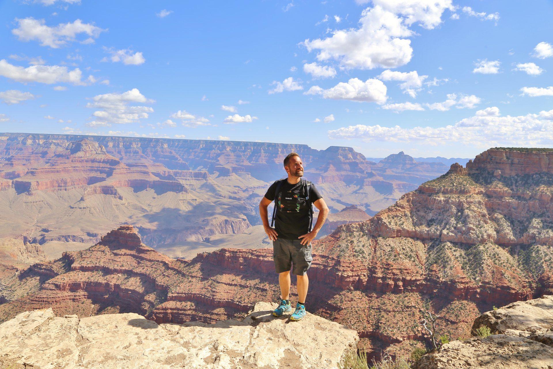 Bitte treten Sie NICHT zurück! - Arizona, Aussicht, Fernsicht, Grand Canyon National Park, Himmel, Landschaft, Natur, Panorama, Personen, Portrait, Porträt, Rim Trail, Schatten, Schlucht, Wattewolken, Wolken - WEISSINGER Andreas - (Grand Canyon, Arizona, Vereinigte Staaten)