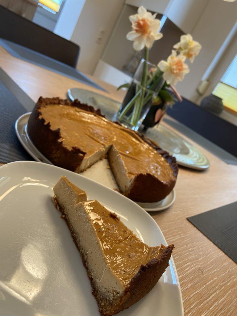 Ohe solche Kalorien wär i schon lange hin! - Backen, Cheesecake, Essen, gebacken, Homemade, Käsekuchen, Kuchen, Lebensmittel, Low Carb, Mehlspeise, Selbstgemacht, Süßspeisen, Süßwaren, Törtchen, Zuckerfrei - (Niederleis, Niederösterreich, Österreich)